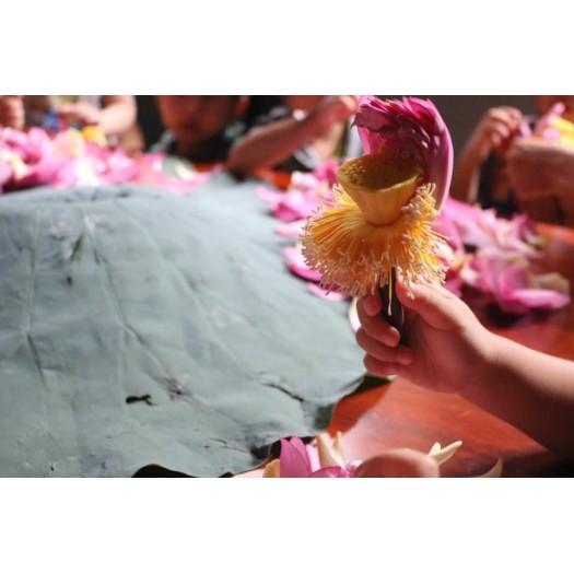 Traditional Lotus Green Tea (Trà Sen Truyền Thống)